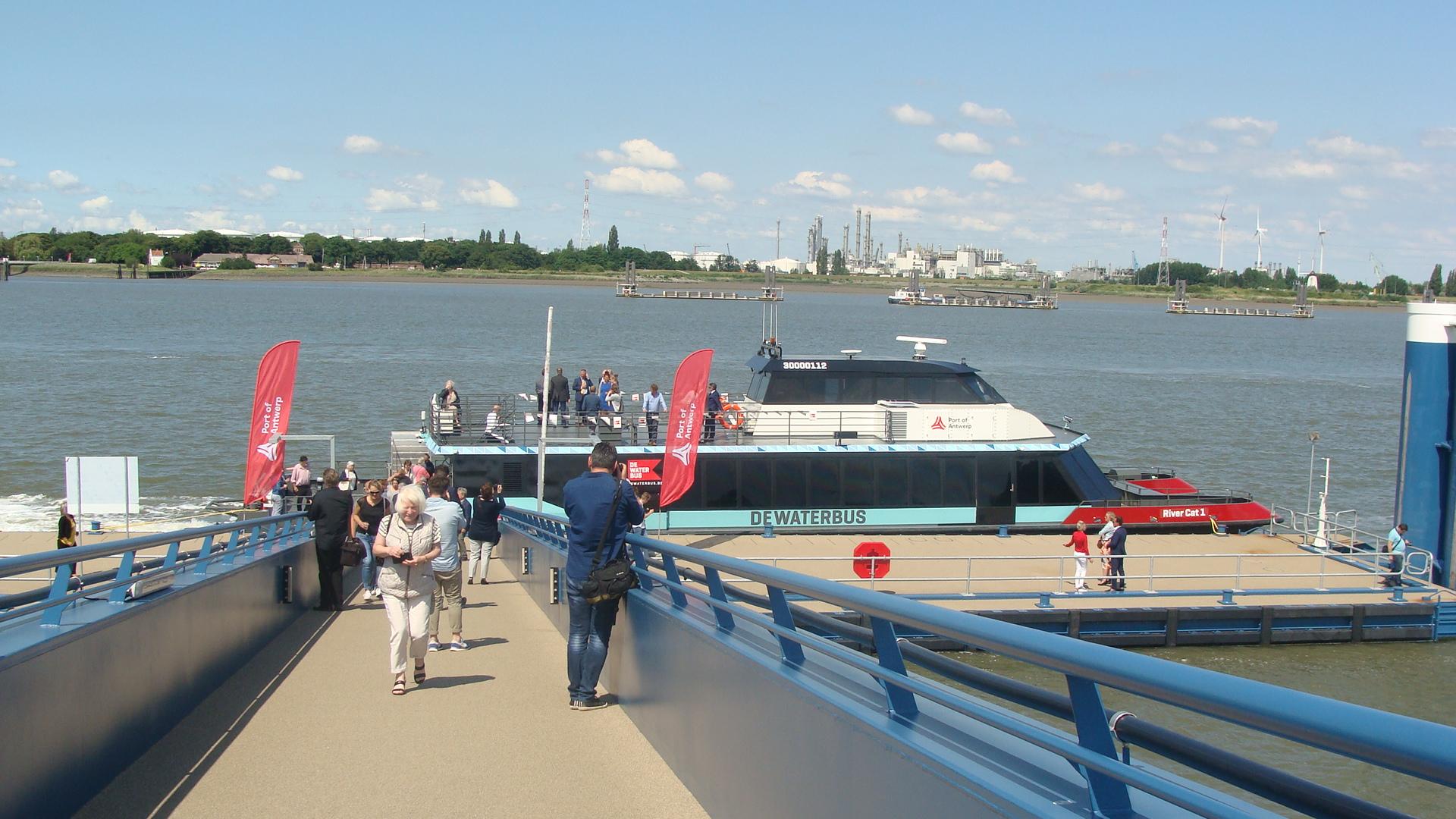Vanaf 1 juli met DeWaterbus naar Lillo en het Poldermuseum